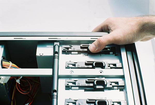 Build your own PC -Step 9: Installing the DVD recorder